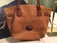 Dooney Bourke Large Champosa Fairfield Leather Zip Tote Tan Brown Shoulder Bag