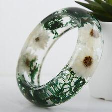 Handmade Real flower Botanical garden lucite bangle bracelet.{16}