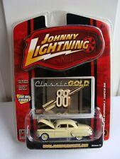Johnny Lightning Classic Gold 1950 50 Oldsmobile Super 88