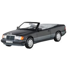 MERCEDES BENZ W 124 - E 300 CE 24 V Cabriolet 1992 bleu noir 1:18