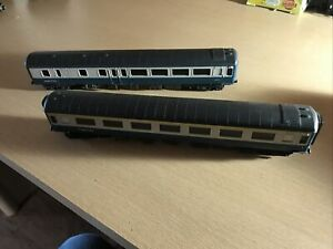 2 Airfix Oo Gauge BR blue / Grey Coaches One 1st Class Both Need Couplings