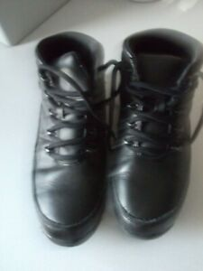 mens/ladies leather boots size 6.5 walking/work/e.t.c