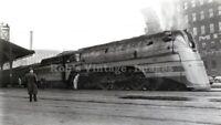 Milwaukee Road Photo Hiawatha Steam Locomotive 104 CMSP Train F7 4-6-4  Hudson