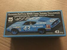 WIX FILTERS DIECAST  Richard Petty '69 Ford Torino Race Car