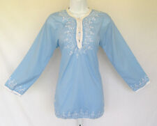 VINTAGE 1960s EMBROIDERED TOP BLUE WHITE FROG BUTTONS POLY COTTON LINEN