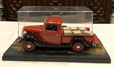 Adult Pro Built Revell/Monogram 1/25 1937 Ford Pickup Farm Truck Model w/Display