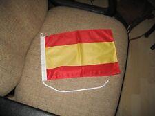 Bandera española cortesía de la enseña para la navegación canotaje Yachting crucero en España