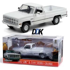 Greenlight 13562 1982 GMC K2500 Sierra Grande Wideside Diecast Pickup Truck 1:18