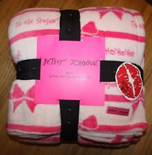 Betsey Johnson Ultra Soft Plush Blanket Size: King Christmas~Tis The Season~Pink