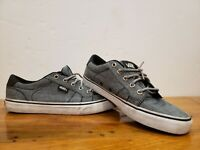 Vans Off The Wall Classic Low Top Lace Up Shoes Mens Size 7 Womens Size 8