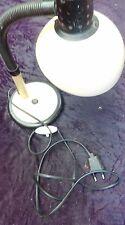 ancienne LAMPE DE BUREAU BEIGE 1970,loft,vintage,garage,métal