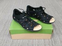 NIB Earth Plover 601390 Black Textured Leather Gilly Tie Sandal Size 10