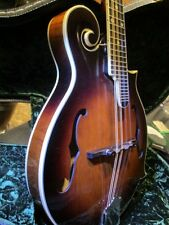 The Loar LM-500-VS  Mandolin f-style