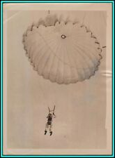 STUDENT PARACHUTIST Hanging on His Sky Hook Before Going To The Front - 1945