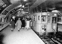 """""""Métro de Paris, ligne 7, Porte d'Italie"""", 1962,  Photographie   /   15 x 20 cm"""