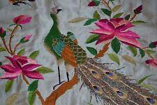 Magnifique tenture en soie brodée à la main Chine XIXème - Décor Paon