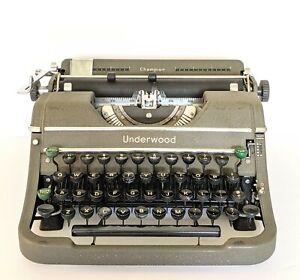 Vintage Underwood Champion Portable Typewriter & Case - 1940s