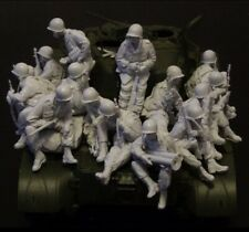 1/35 Scale US Soldiers On Tank Unfinished (15 figs, no tank)