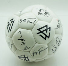 Autogramme & -graphen von nationalen Fußballern als Repro mit aufgedruckter Signatur