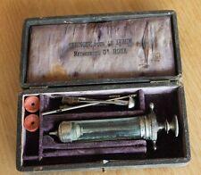 ancienne seringue pour le sérum méthode du docteur roux médecine science