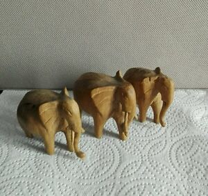 Lot de 3 Éléphants en bois clair