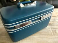 Samsonite Silhouette vintage blue makeup train case hard cover carry on luggage