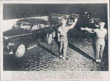1949 Press Photo Berlin Border Guards Vintage Autos 1940s Germany