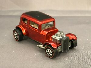 Hot Wheels Redline 1969 US Red CLASSIC '32 FORD VICKY White Interior Exc+