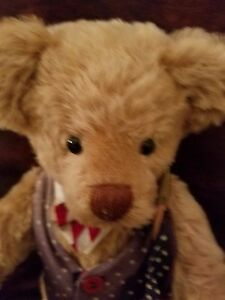 "16""   Bear by janet Wilde 1998 Fully Jointed suede paws"