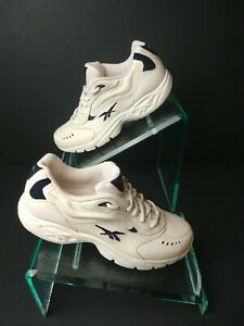 Reebok Women's Dynamic Plus Athletic White Running Shoes. Size 8.     A263