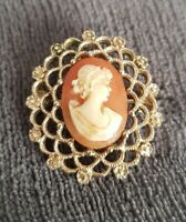 Vintage signed Sarah Coventry cameo brooch pin Pendant COV