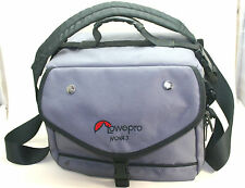 Lowepro Nova 3 fotocamera e lente Gadget Bag (ottime condizioni).