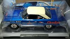 1/18 HIGHWAY 61 DICK LANDY 1967 DODGE HEMI CORONET BLUE & WHITE
