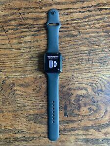 Apple Watch Series 2 Nike+ 42mm Aluminiumgehäuse in Space Gray