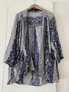 Forever 21 Blue White Floral China Kimono With Pockets Size L Cottage Core