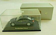 C Klasse W 204 Limousine ori Schuco® für Mercedes Miniatur Modell auto 1:43 grau