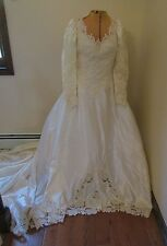 Ivory/Cream wedding dress A-line Beaded long illusion sleeve size 8 w/ headpiece