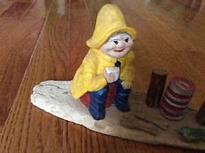 VTG Solid Wood 3D Handmade Woodstock Nautical Painted Smiley Person sitting 10""