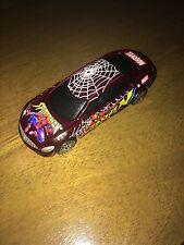 Maisto Dark Red Spiderman 2000 Buick LaCrosse 1:55 Scale (1)@
