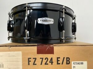 "Pearl Forum FZ Snare Drum 6-ply poplar 14 X 5-1/2"" 8 Lug Jet Black #31 NEW!"