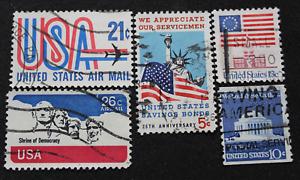 Lote de 5 SELLOS  ESTADOS UNIDOS Banderas y Edificios. Años 60 - 70