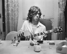 Mick Jagger UNSIGNED photograph - L2930 - Stones In Exile - NEW IMAGE!!