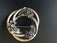 Vintage sterling silver flower brooch. Signed Jewel Art