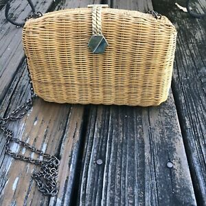 Vintage Wicker Purse Bag Woven Straw Handbag Gold Chain Clasp 1980s 80s Womens