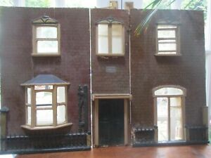 Victorian dolls house Front