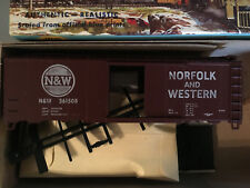 Athearn Trains in Miniature Norfolk & Western 40' Box Car Model 1210