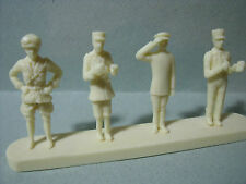4  FIGURINES  1/43  SET 61  GENDARMERIE  POLICE  NATIONALE  VROOM  UNPAINTED