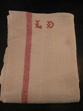 ancien torchon nid abeille monogramme LD  brodé point de croix rayures rouges