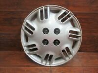 Saturn S Series: 1996, 1997, 1998, 1999, 14 Inch Factory Hubcap With nut covers