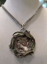 VINTAGE SILVER TONE CAESAR'S PENDANT & FLAT CURB CHAIN LINK NECKLACE BB1662